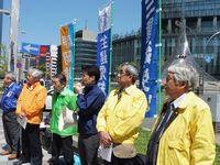 名駅前で多くの方が行き来する中での街宣演説