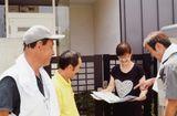 規加入者宅を訪問し、組合メリットを再認識してもらう役員さん(守山支部)