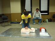 心臓マッサージと人工呼吸