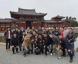 鳳凰堂(国宝)前で記念撮影