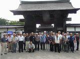 国宝瑞龍寺の総門前にて(昨年度)